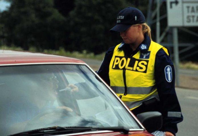 Poliisi9