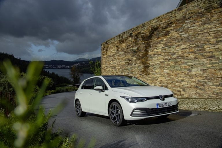 Uuden Volkswagen Golfin ennakkomyynti on alkanut — ensimmäiset autot jälleenmyyjille maaliskuussa