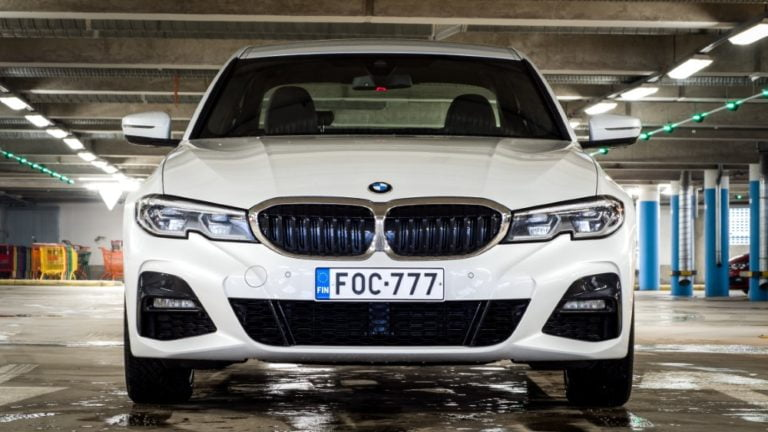 Autotoday testasi: BMW 330e — sähköstä tuntuvasti lisää ärhäkkyyttä