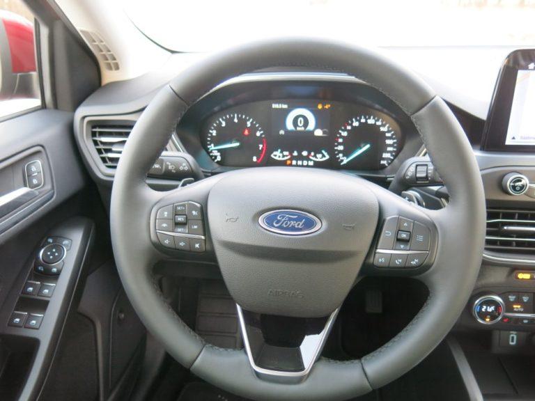 Ford Focus -kuljettaja kiinni huimasta ylinopeudesta — seitsemänkympin alueella 703 km/h!