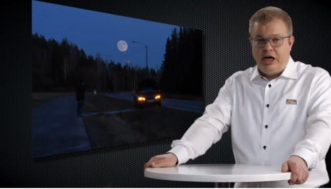 Tieliikennelaki 2020: Hätävilkkuja saa käyttää myös auton ollessa liikeellä