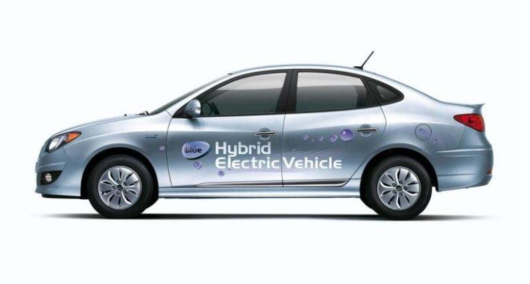 Autotoday 10 vuotta sitten: Hyundai Elantra LPI Hybrid on maailman ensimmäinen nestekaasukäyttöinen hybridi