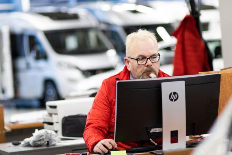 Autokauppa: Ajoneuvojen kotitoimitukset huimassa kasvussa tänä vuonna