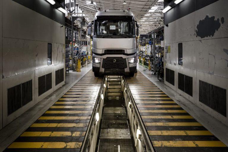Renault Trucks säilytti markkina-asemansa 2020: Tilauksia 12 % enemmän vuoteen 2019 verrattuna