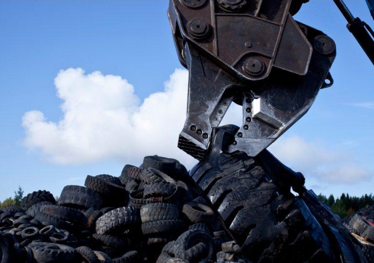 Uusi tuotantolaitos tekee renkaiden kierrätyksestä aiempaa fiksumpaa