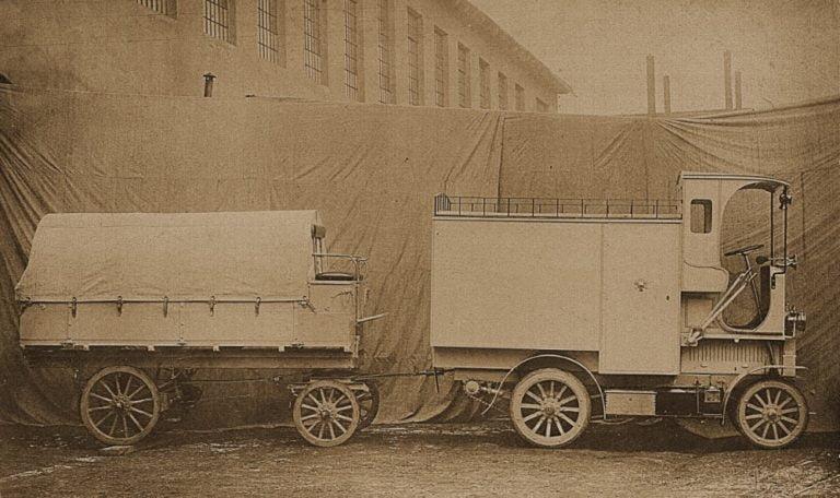 Päivän museoauto: Omnibussit ja tavarankuljetusautot Černá Hora-Montenegro