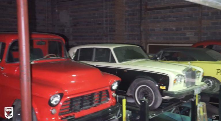 Video: Uskomaton määrä vanhoja klassikkoautoja yhdessä hallissa