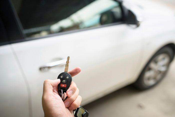 Bensa, diesel, sähkö, vai…? Käyttövoima ratkaisee usein suomalaisen autohankinnan