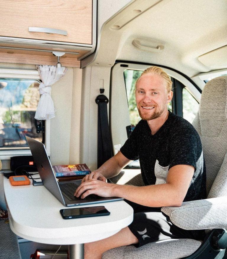 Sata uutta matkailuautoa edullisesti etätyöhuoneiksi