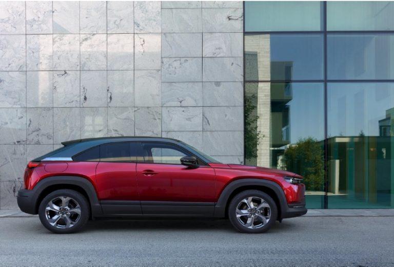 Mazdan ensimmäisen sähköauton Suomen toimitukset alkavat syksyllä — näin paljon se maksaa
