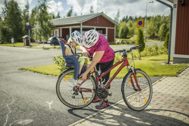 Tieliikennelaki 2020: Matkustajien kuljettamiseen polkupyörällä tulee muutoksia