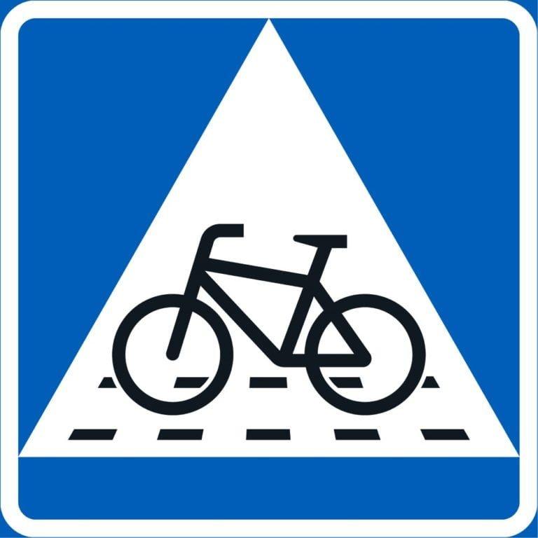 Tieliikennelaki 2020: Autoilijan ja pyöräilijän väistämisvelvollisuuksiin tulee muutoksia