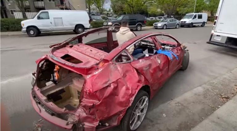 Video: Tästä Teslan romusta maksettiin yli 14 000 euroa!