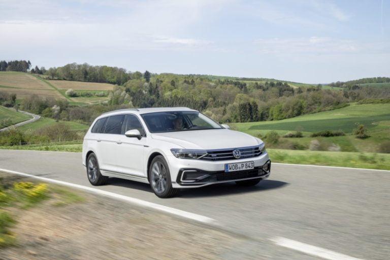 Volkswagen Passatin pistokehybridistä varustellumpi versio