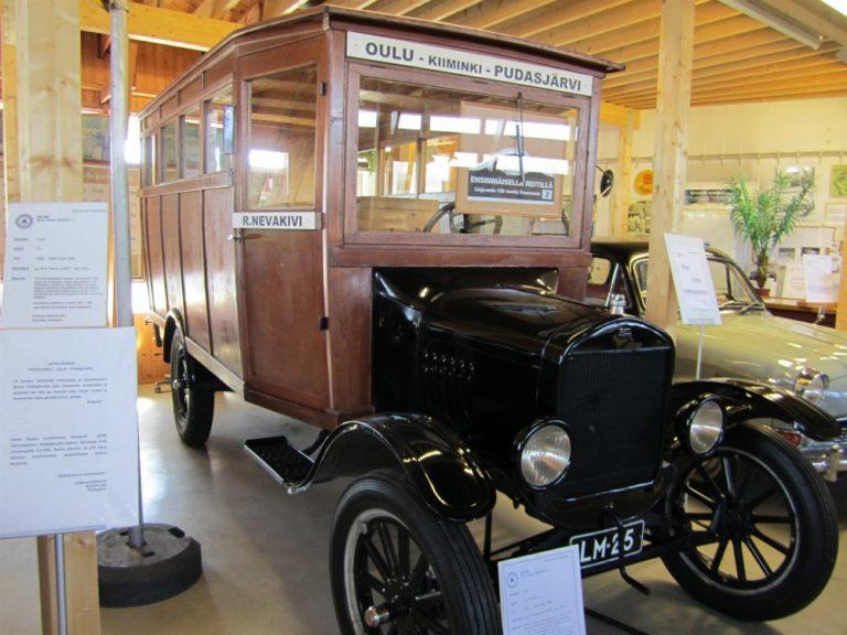 Päivän linja-auto: Oulu – Pudasjärvi -linjan bussi vuodelta 1925