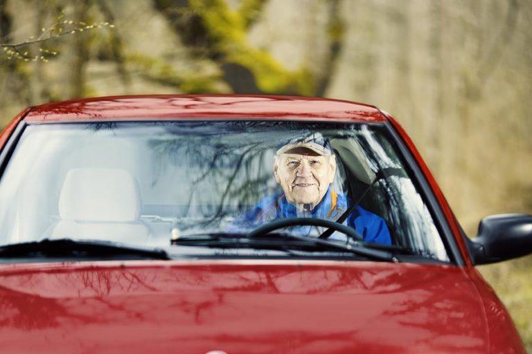 Liikenneturva on tehnyt ikäkuljettajille oman etäluentosarjan uudesta tieliikennelaista
