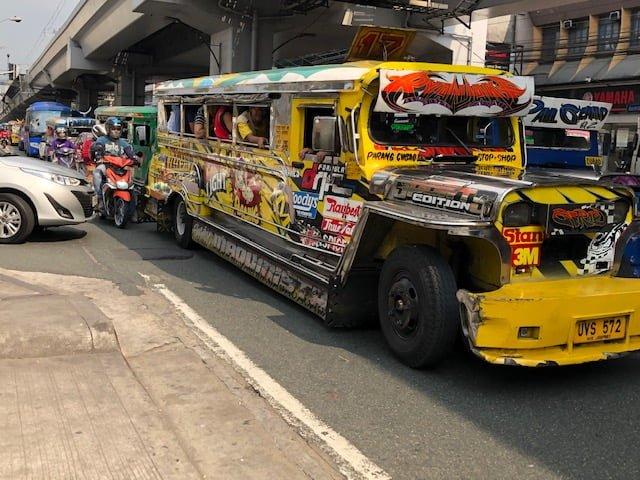 Historian havinaa: Tunnetko autotyypin nimeltä Jeepney?