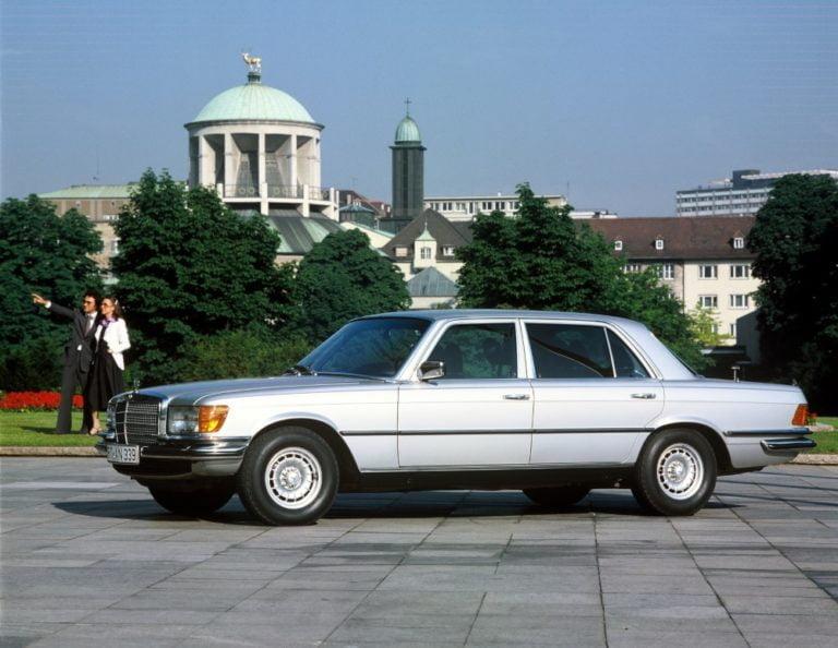 """Päivän museoauto: Mercedes-Benzin """"maailman paras auto"""" kulutti 16 l/100 km"""