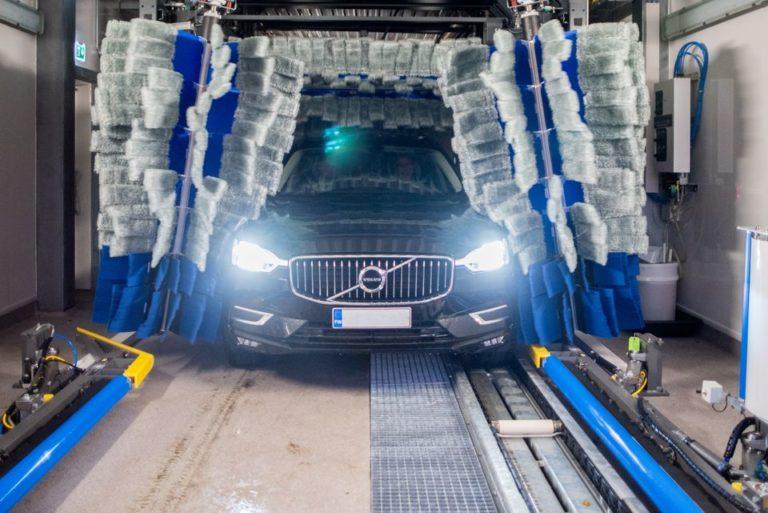 Suomessa on myönnetty ensimmäistä kertaa ympäristön Joutsenmerkin autojen pesukadulle