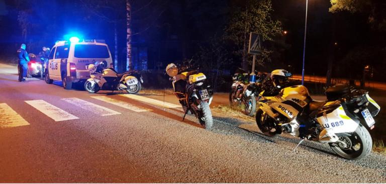 Länsi-Uudenmaan poliisi tarkasti noin 70 mopoa — kolme yritti karkuun