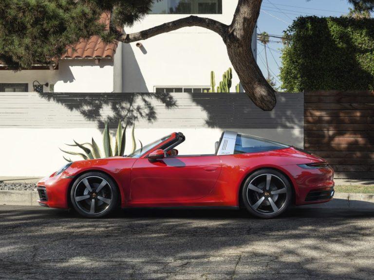 Porsche 911-malliston tyyli-ikoni ehtii jo kahdeksanteen sukupolveen