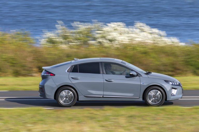 Autovertaamosta näkee autojen kulutukset — myös sähköautojen!