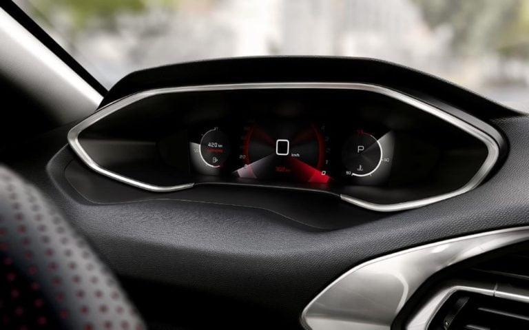 Tämän vuoden lopulla Suomeen tuleva päivitetty Peugeot 308 sai digimittariston