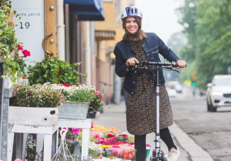Helsinki selvittää sähköpotkulautojen käyttöä