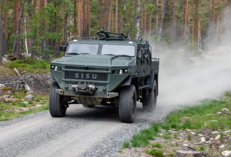 Sisu Auton uudet sotilasajoneuvot markkinoille