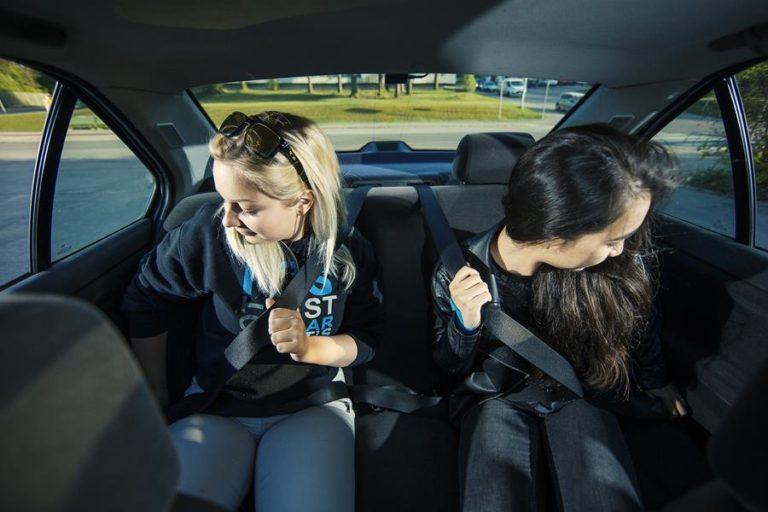 Liikenneturva muistuttaa: Turvavyö tarpeen taajamanopeuksillakin
