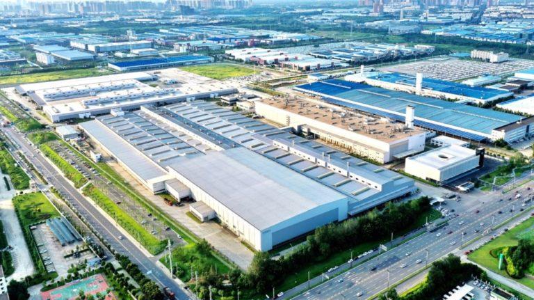 Volvon Kiinan suurin tehdas käyttää vain uusiutuvaa sähköä