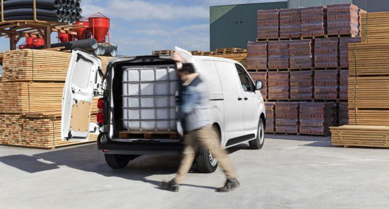 Citroën julkaisi sähköisen ë-Jumpy-pakettiauton hinnaston