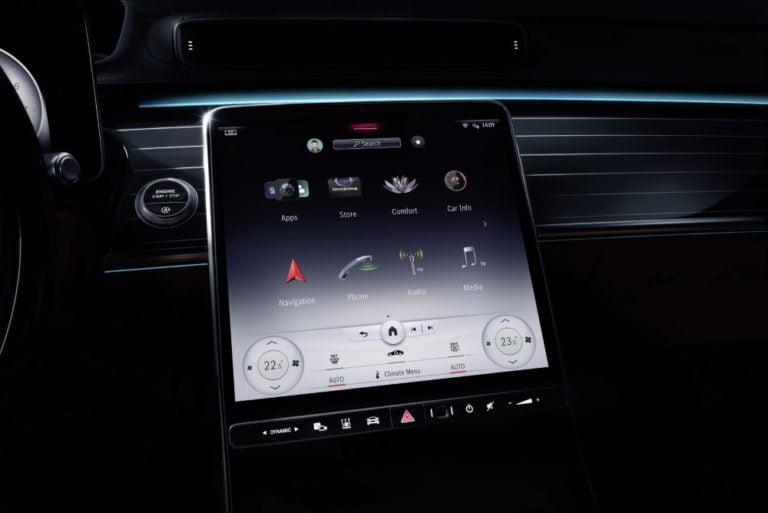 Mercedes-Benzin MBUX-käyttöliittymä uudistuu ja monipuolistuu