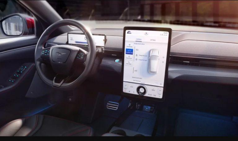 Fordin Mustang Mach-E -mallissa on aikaisempaa monipuolisempi tietoviihdejärjestelmä