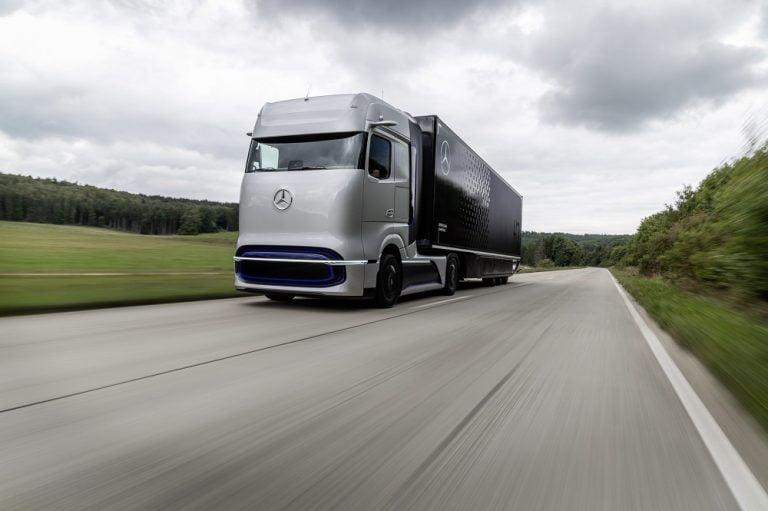 Vetykäyttöinen kuorma-auto kulkee yli tuhat kilometriä yhdellä tankkauksella