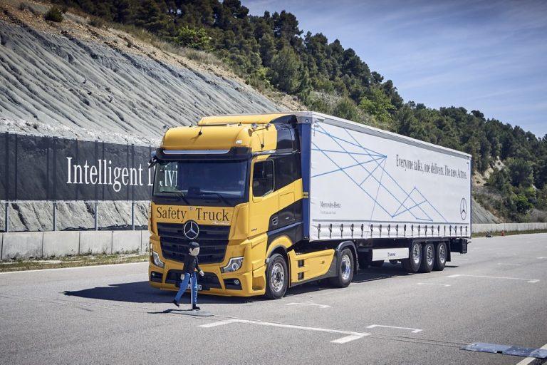 Daimler Trucksin onnettomuustutkimuksella on pitkät perinteet