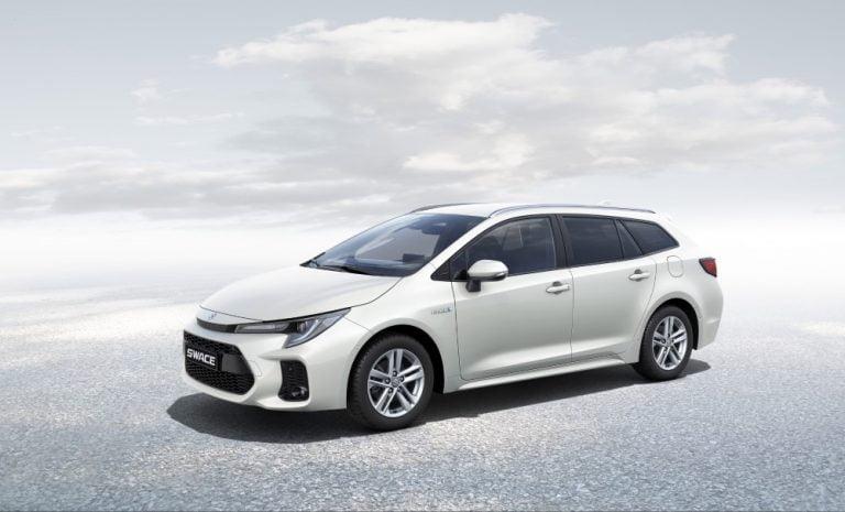 Marraskuussa Suomeen tuleva Suzuki Swace on toinen Toyota-yhteistyön tuotos