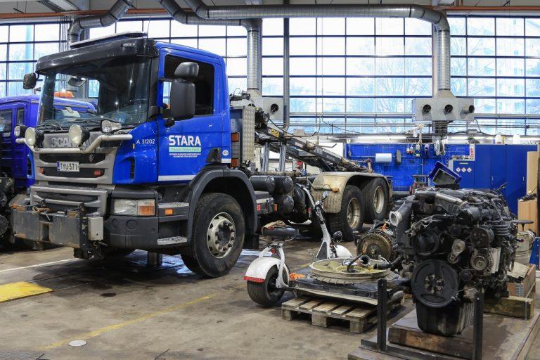 Seitsemän vuotta vanha dieselkuorma-auto muutetaan sähköiseksi
