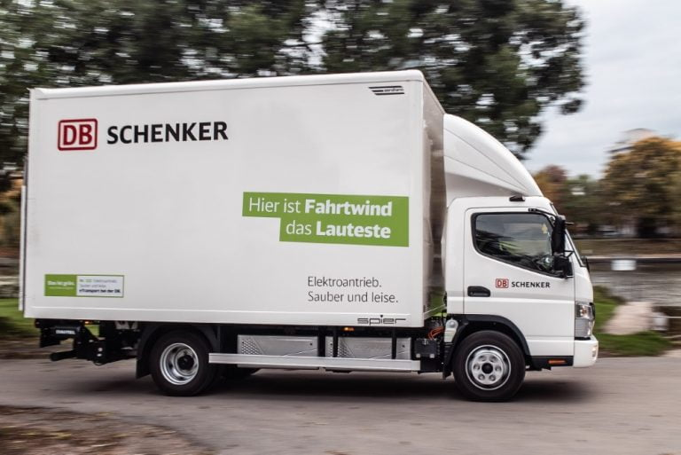 DB Schenker lisää sähköautojen määrää 36 uudella Fuso eCanter -ajoneuvolla — kaksi niistä Suomeen
