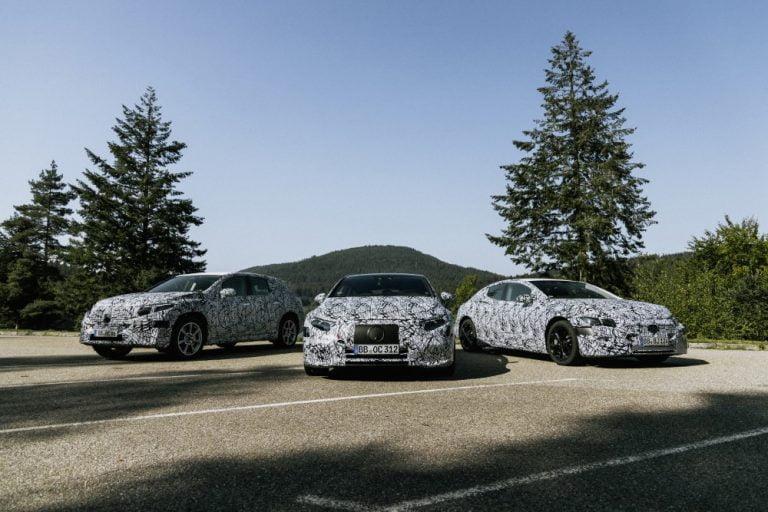 Mercedes-Benz keskittyy autojen sähköistämiseen — polttomoottorien määrä vähenee selvästi