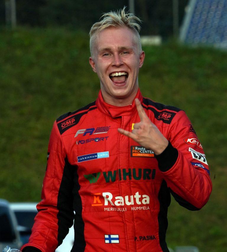 Suomalaistallin kuski ajoi Monzan Formula Regional osakilpailun voittoon