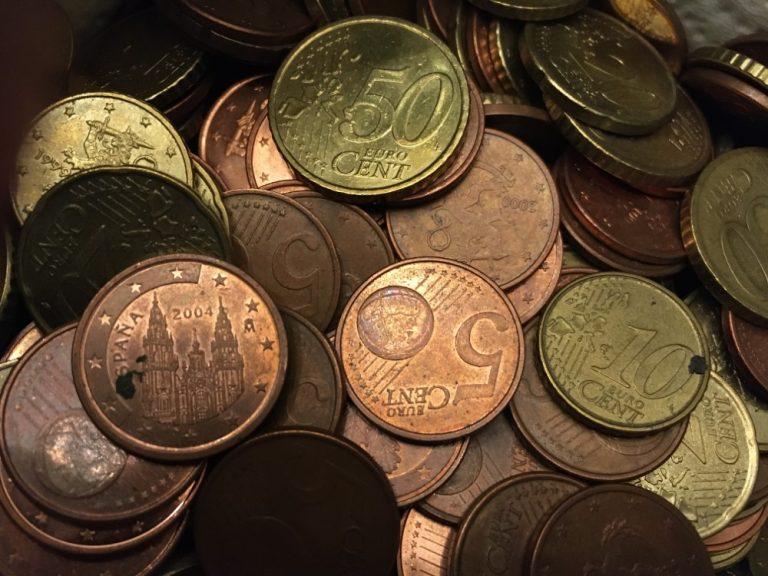 Koronaviruksen seuraus: Harva maksaa pysäköinnin nykyään rahalla