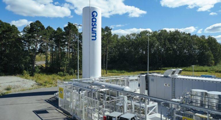 Turussa avattiin Suomen ensimmäinen nesteytettyä biokaasua tuottava biokaasulaitos