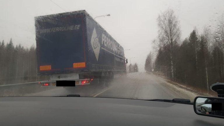 Liikenneopettajat kokevat liikenteessä paljon vaarallista käyttäytymistä