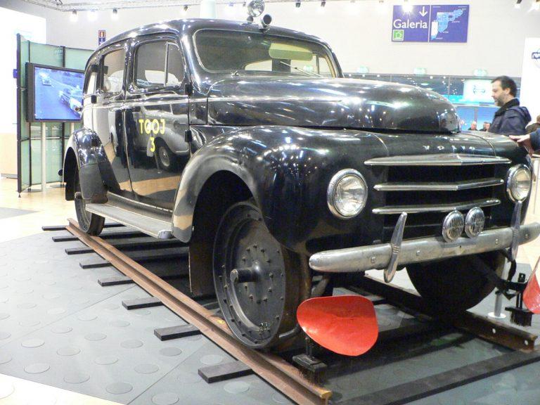 Päivän museoauto: Volvon kiskoauto PV831 1953