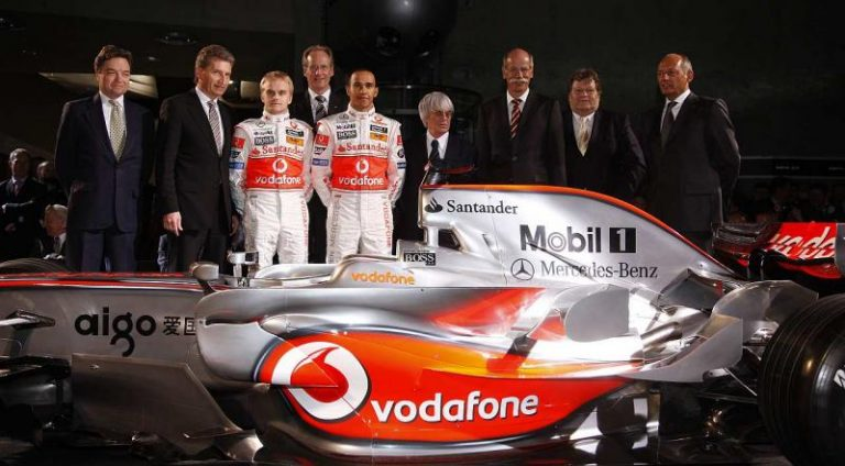 Päivän autourheilukuva: Heikki Kovalainen Lewis Hamiltonin tallikaverina