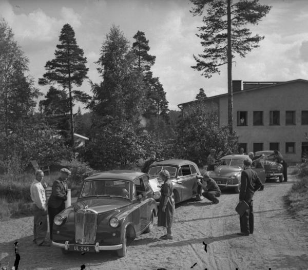 Päivän autourheilukuva: Hyvinkään tarkkuusajot 1954