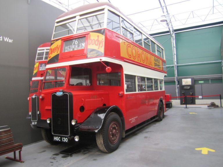 Päivän kuva: Tällainen mainos tuskin olisi nyt Lontoon bussin kyljessä!