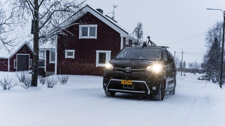 Suomalaisen itsestään ajavan ajoneuvon ohjelmisto testataan Lapin talviolosuhteissa