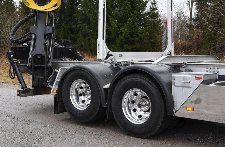 Scania esittelee uuden nousevan ja irtikytkeytyvän telivedon